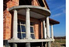 Kolumny betonowe architektoniczne, głowice, filary, tralki betonowe, ogrodzenia betonowe, grille - zdjęcie