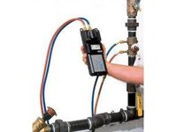 Manometr do systemów cieczowych HM670/HM680 - zdjęcie
