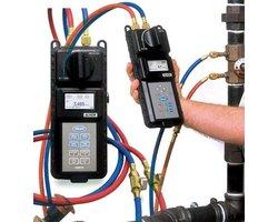 Manometr do systemów cieczowych HM670, HM680 - zdjęcie