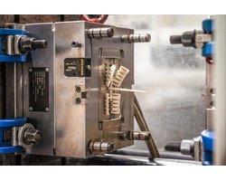 Produkcja form wtryskowych - zdjęcie