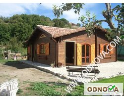 Drewniane domy letniskowe - zdjęcie