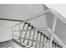 Produkcja poręczy, balustrad i uchwytów sanitarnych - zdjęcie