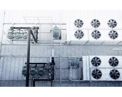 Chłodzenie pomieszczeń falowników i transformatorów - zdjęcie