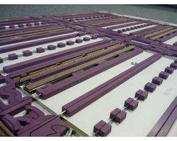 Składane kartony - wytłaczanie - zdjęcie