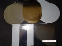 Podkłady pod torty z tektury falistej złote, srebrne i perłowe - zdjęcie