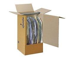 Karton na garderobę - zdjęcie