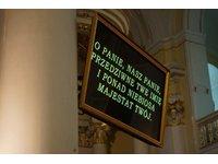 Rzutniki tekstów, ekrany plazmowe - zdjęcie