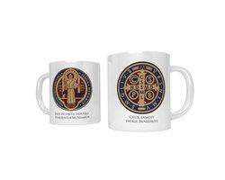 Kubek religijny z medalem świętego Benedykta - zdjęcie