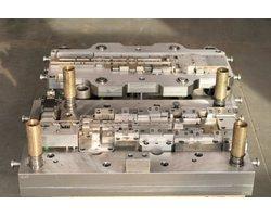 Produkcja, wykonanie, regeneracja oprzyrządowania technologicznego, narzędzi specjalnych, tłoczników, wykrojników - zdjęcie