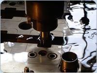 Obróbka elektroerozyjna EDM poprzez elektrodrążenie wgłębne i drutowe - zdjęcie