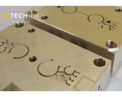 Nakładanie powłok trudnościeralnych  PACVD, PVD, DLC na formy, rdzenie, wkładki do formowania wtryskowego - zdjęcie