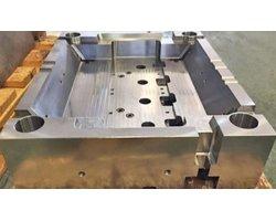 Obróbka, wykonanie, frezowanie CNC płyt stalowych, korpusów, elementów do formy wtryskowej, tłocznika, wykrojnika - zdjęcie
