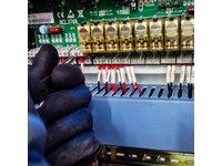 Laser Fibrowy - Prace montażowo-elektroniczne - zdjęcie