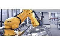 Automotive Audi: Maximum precision required: the Stäubli TX200 drilling a pilot hole - zdjęcie