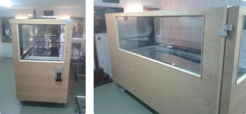 Komory chłodnicze przeszklone na dwa ciała w drewnie, Automat