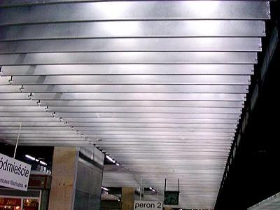 Renowacje paneli wygłuszających dla dworca Warszawa-śródmieście ANODAL
