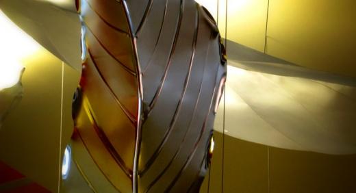 Dekoracja w centrum handlowym wykonana ze stali kwasoodpornej ECM
