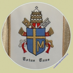 Ornat z wizerunkiem Jana Pawła II, ręcznie malowanym O - 142